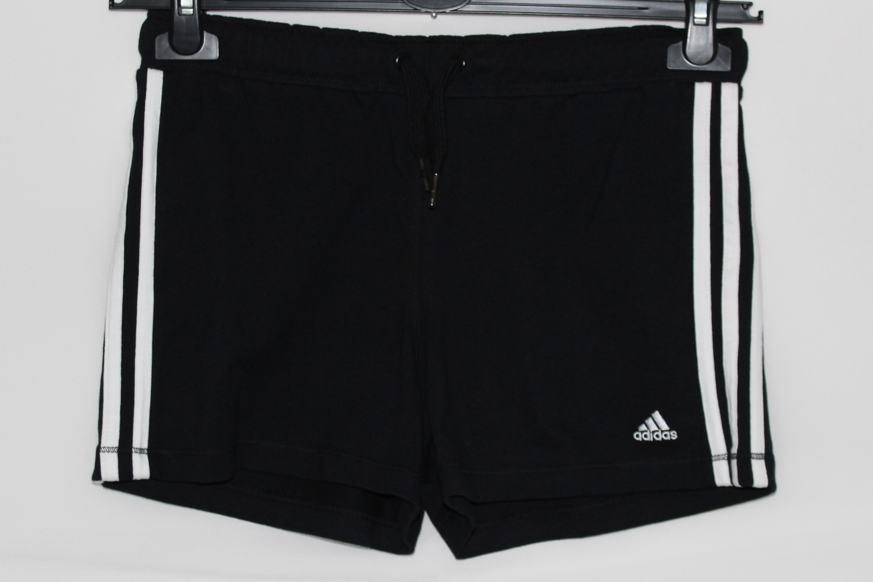 Adidas Kinder Mädchen Short schwarz weiß Gr. 164